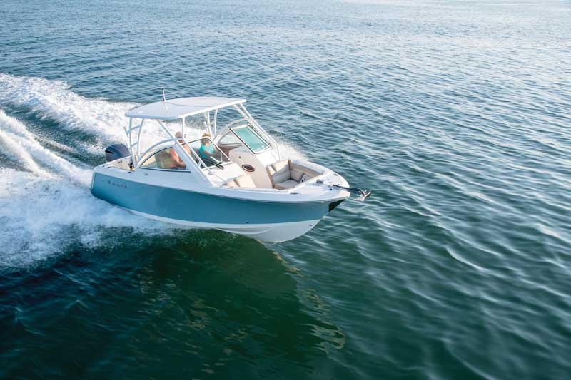 Power options range from a single 200- to a single 300-horsepower outboard.