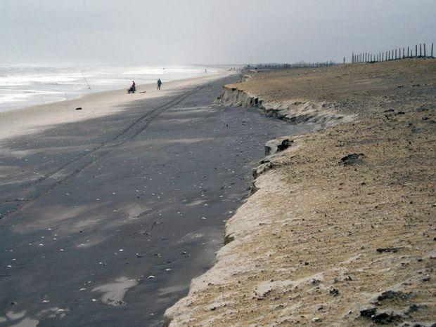 Assateague Island National Seashore after a 2009 nor'easter. Storm winds and waves carry away lighter sand, leaving the heavier black sand. The impacts from the 1962 nor'easter were far worse. Photo courtesy NPS
