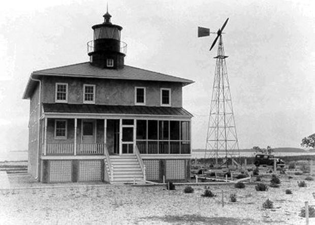 Point Lookout with the windmill in 1930. Photo courtesy USCG