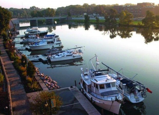 Ottawa, Illinois is a favorite stopover on the Illinois River that takes Loop cruisers south to the Mississippi River